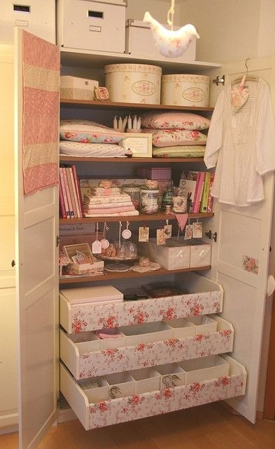 Shabby chic closet pictures photos and images for - Cocinas estilo shabby chic ...