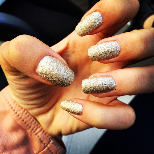 Gold Glitter Nails Pictures, Photos, and Images for ...
