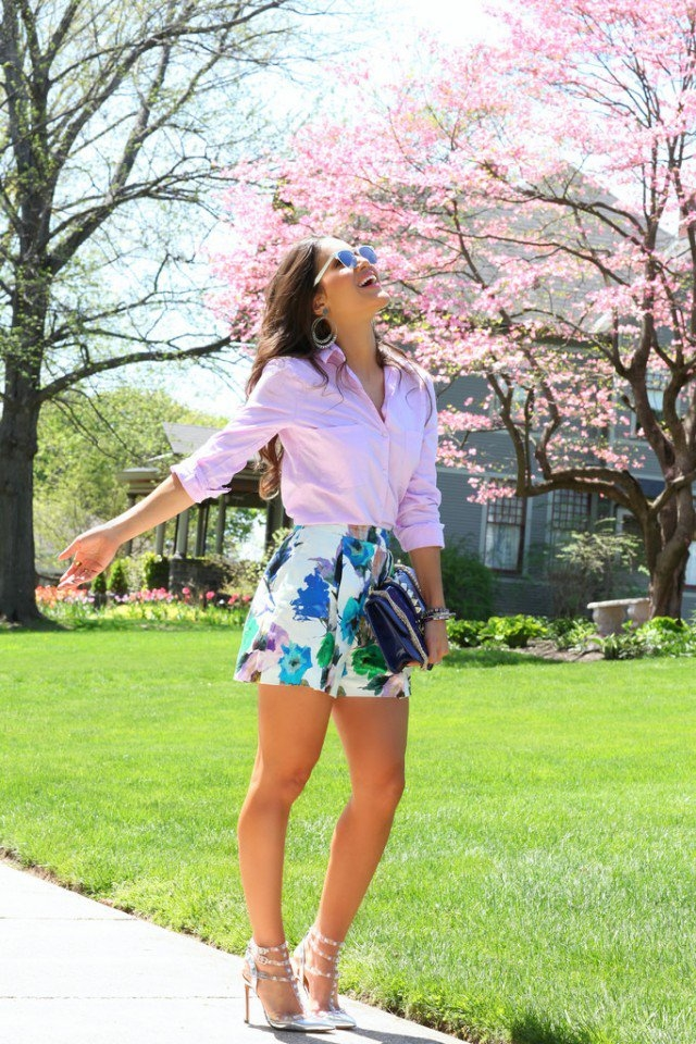 Floral Shorts With Pink Blouse Amp High Heels Pictures