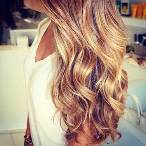 Wavy blonde hair tumblr