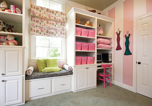 Girls room organization pictures photos and images for facebook tumblr pinterest and twitter for Organization ideas for teenage girl bedrooms