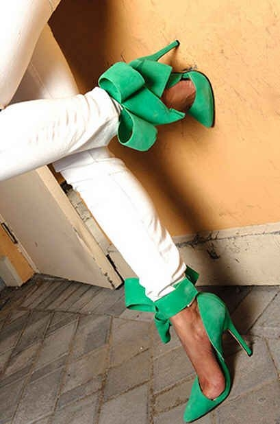 Green Bow Pumps Pictures, Photos, and