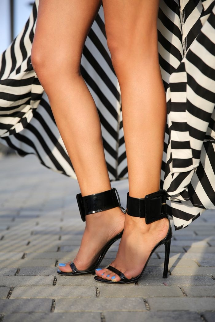 Black & White Skirt With Ankle Wrap Sandals Pictures, Photos, and ...