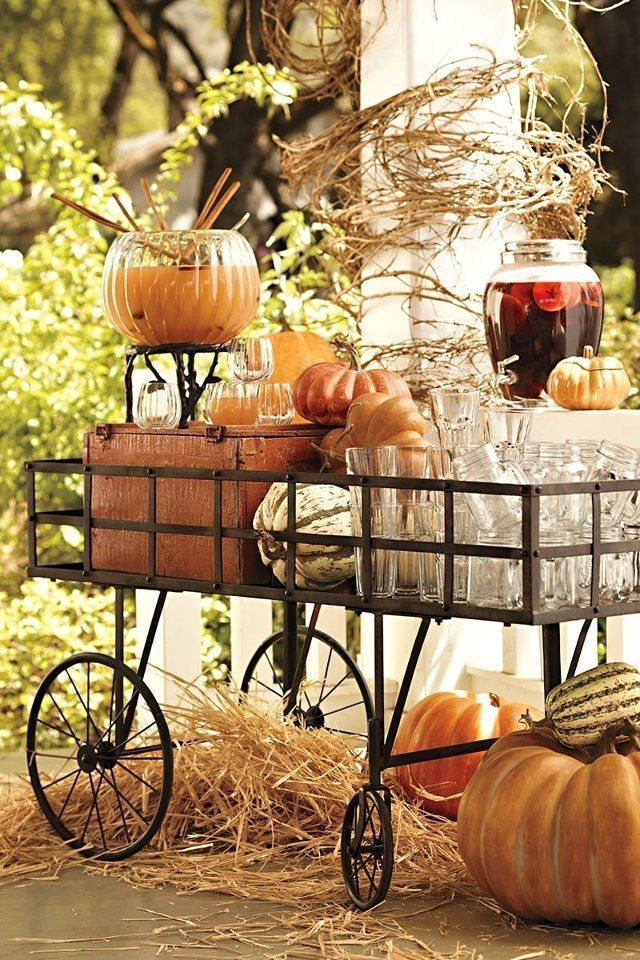Wagon cart filled with fall party refreshments pictures - Decoracion de otono ...