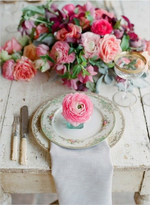 Beautiful Table Setting With Pink Roses Pictures Photos