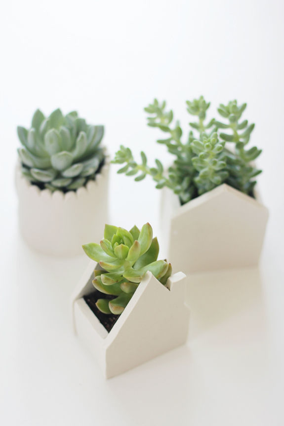 Diy handmade clay pots pictures photos and images for - Vase argente maison du monde ...
