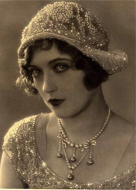 1920s flapper girl pictures photos and images for