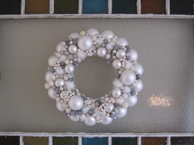 White Christmas Ornament Wreath Pictures, Photos, and Images for ...