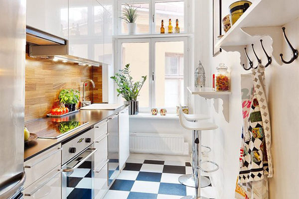 Cute functional tiny apartment kitchen pictures photos - Cute kitchen decorating themes ...