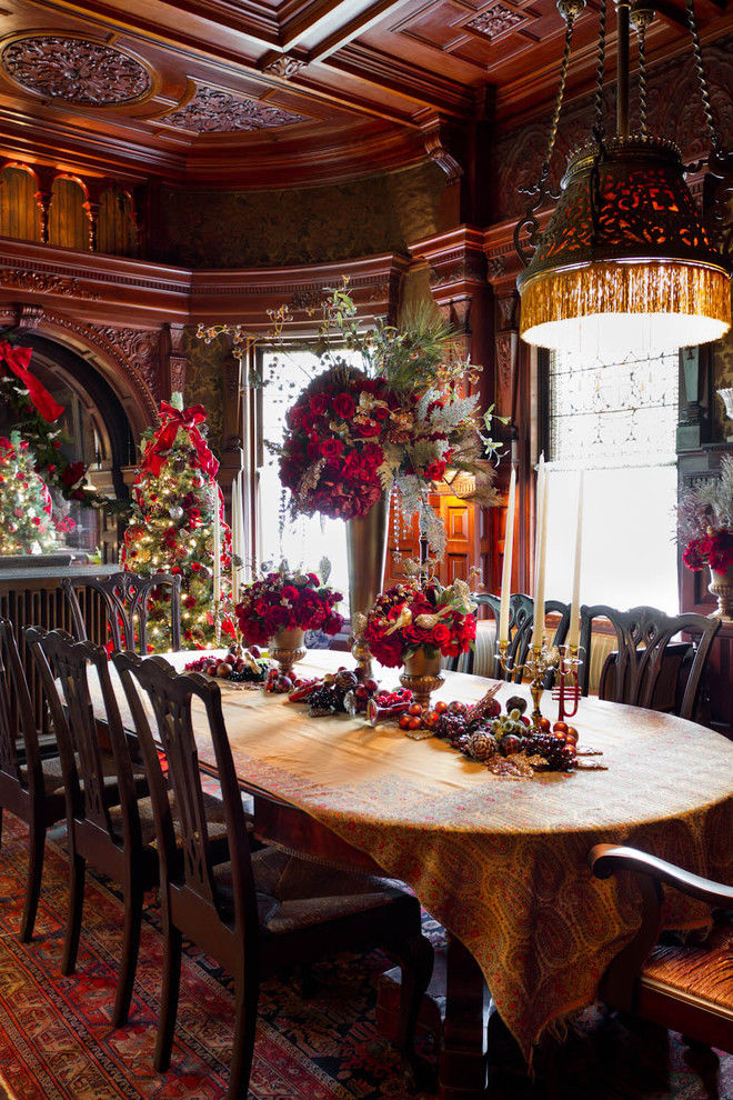 gorgeous dining room decorated for the holidays pictures