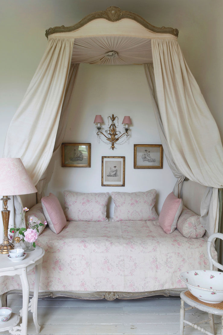 Preferred Shabby Chic Daybed With Canopy Pictures, Photos, and Images for  HA87