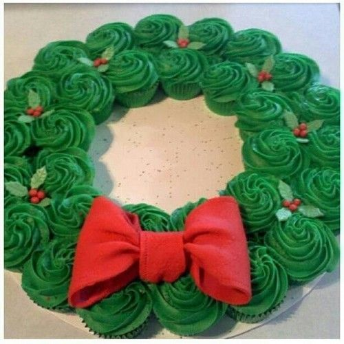 Christmas Wreath Cupcakes | Crazy Adventures in Parenting