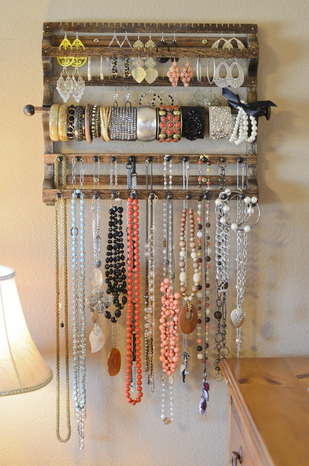 Wooden jewelry organizer pictures photos and images for for Organiser un stand