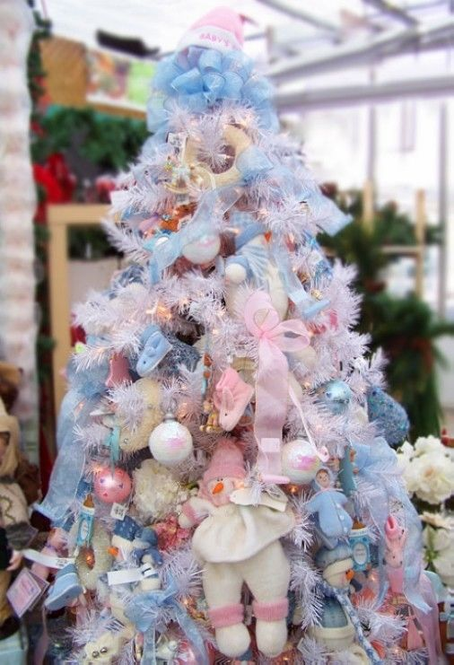 Pink and blue christmas tree pictures photos and images - Pink and blue christmas tree ...
