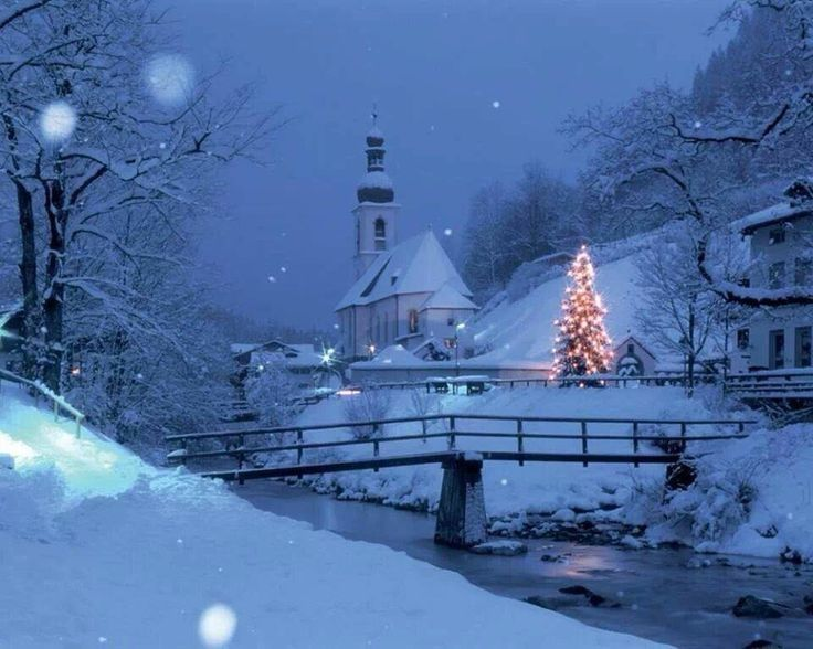 Beautiful Christmas Scene Pictures