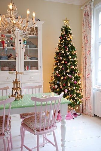 Pretty pastel christmas dining room pictures photos and for Pastel dining room ideas
