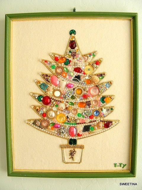 Framed Christmas Tree Made With Vintage Costume Jewelry Pictures ...