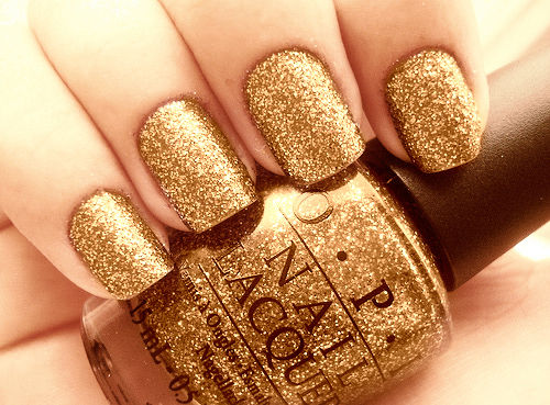 Gold Glitter Nails For New Years Eve Pictures, Photos, and Images ...