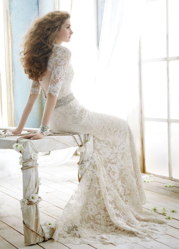 Breathtaking Lace Wedding Dress With Back Cutout And Diamond