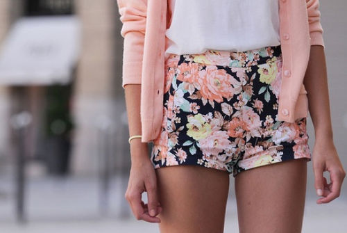 For example, pair white high waisted shorts with a printed off-the-shoulder crop top and tie-up ballet flats would be cute for a day out under the sun. Or, high waisted black shorts can be worn with a mono-colored crochet cropped tank top and platform sandals.