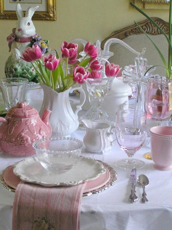 Brunch Ideas For Easter: Lovely Pink & White Easter Dinner Table Pictures, Photos