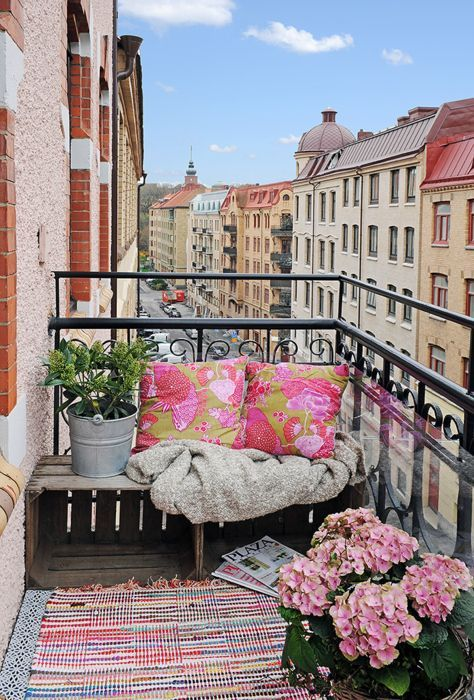 Pretty small balcony pictures photos and images for for Balcony quotes