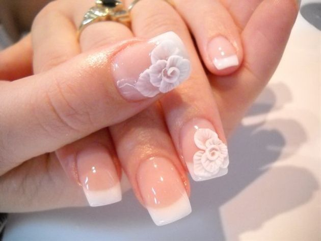 White Flower Nails