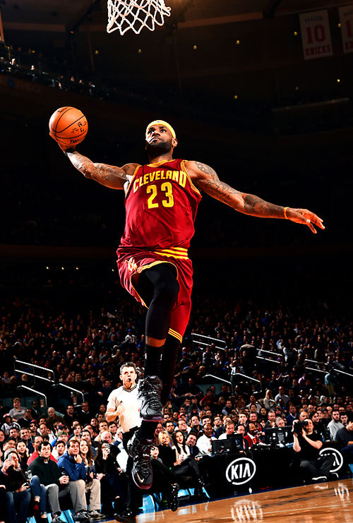 Lebron James Dunking Pictures Photos And Images For