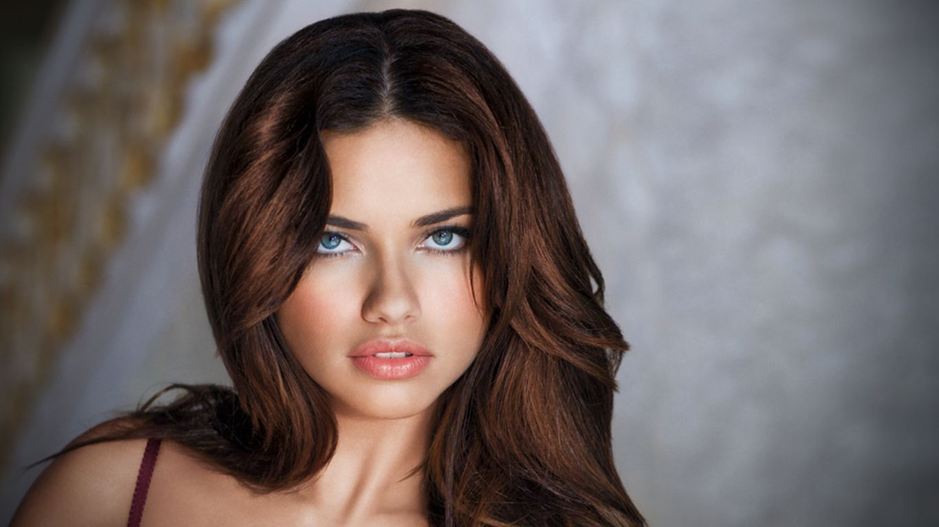 Adriana Lima Beautiful Face Picture Pictures Photos And