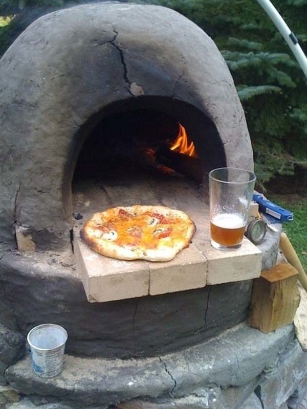 Marvelous Backyard Pizza Oven
