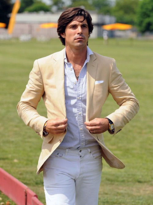 Cream Blazer With White Jeans And White Shirt Pictures