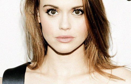 Holland Roden Pictures Photos And Images For Facebook