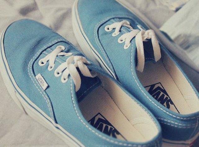 11d6fd54da Blue Vans Pictures