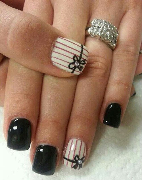 Black & Striped Nails With Bows Pictures, Photos, and Images for ...