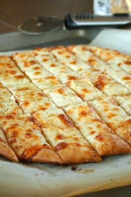 Cheesy Garlic Bread Pictures, Photos, and Images for Facebook, Tumblr ...