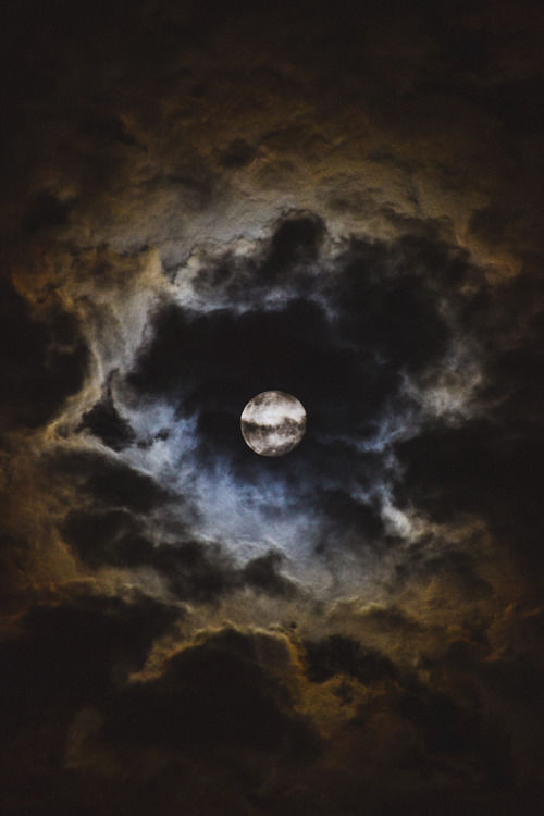Cloudy Full Moon Pictures Photos And Images For Facebook