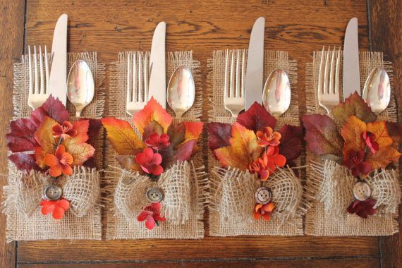 Burlap silverware holders for thanksgiving pictures for Inexpensive thanksgiving table decorations