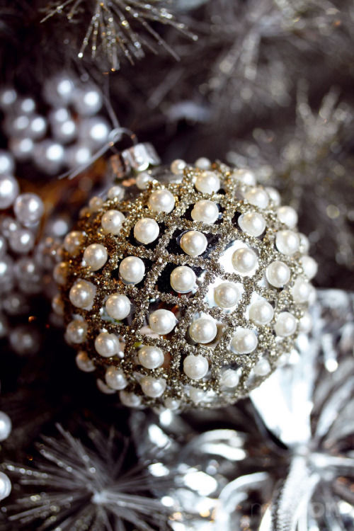 Glitter Pearl Ornament Pictures, Photos, and Images for Facebook ...