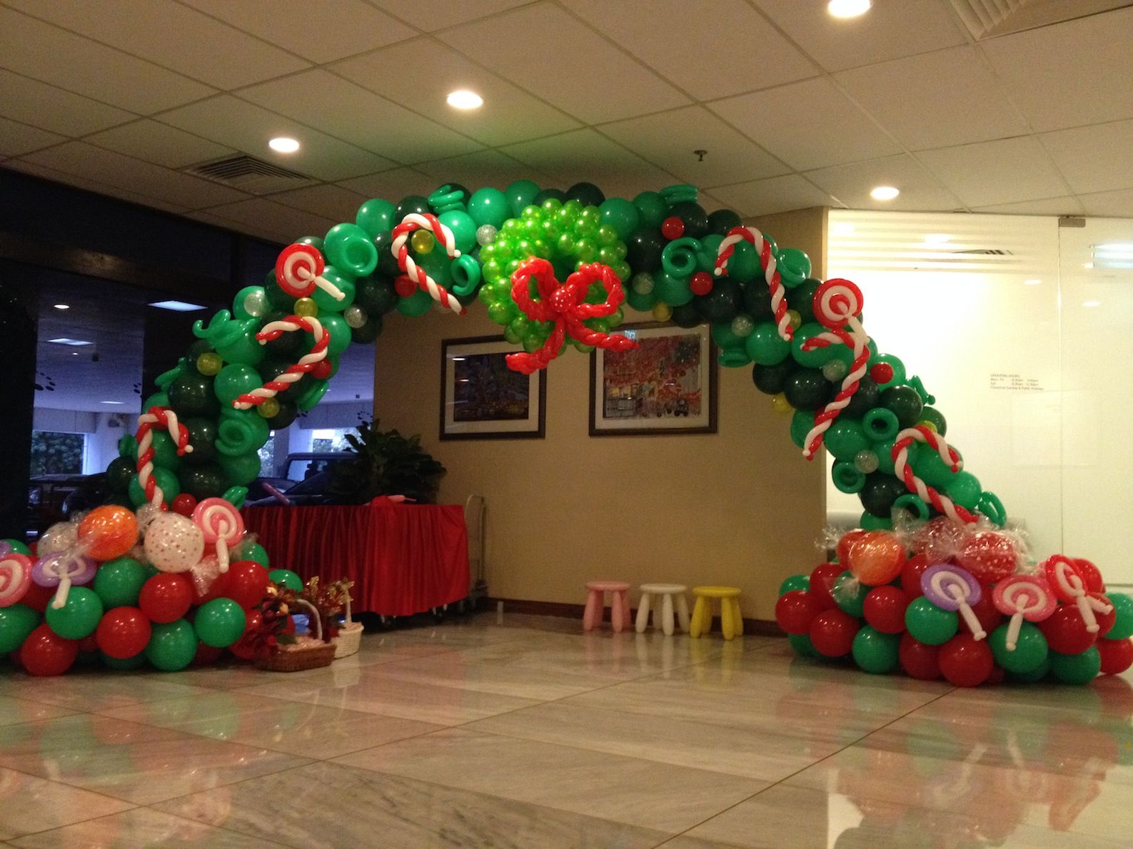 Christmas Balloon Arch Pictures Photos And Images For