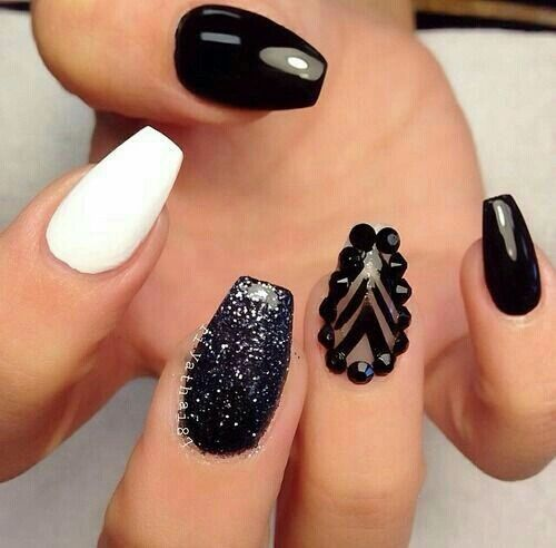 Black And White Studded Nails Pictures, Photos, and Images ...