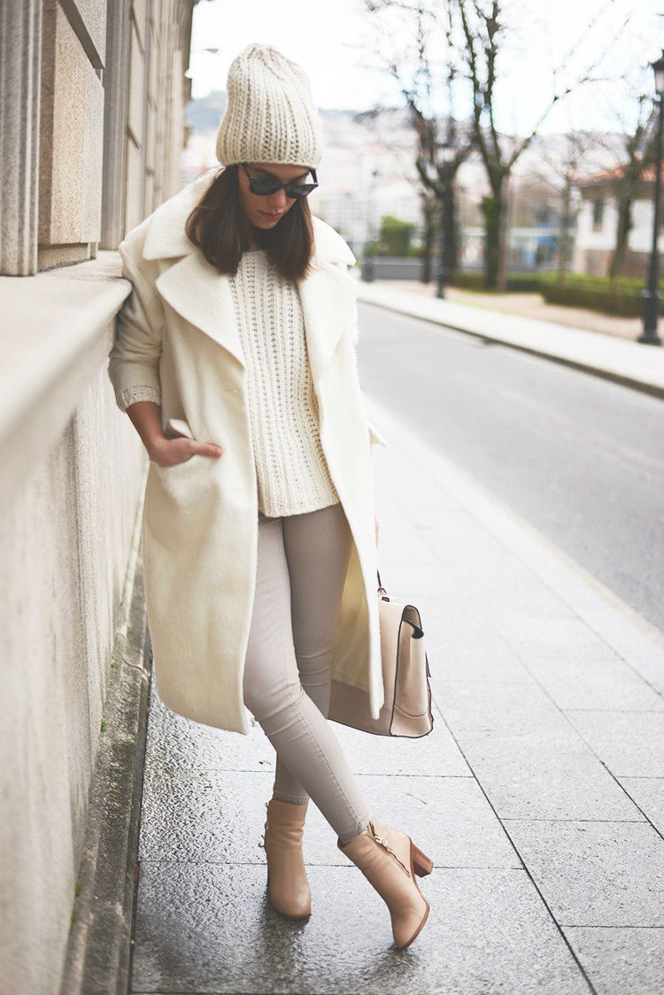 Wool Beanie With Sweater And Tan Jeans And Cream Peacoat Pictures ...