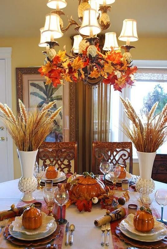 Beautiful thanksgiving table chandelier pictures photos for Gorgeous thanksgiving table settings
