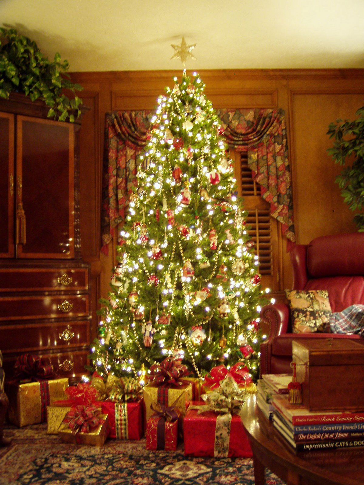 Awesome Gorgeous Christmas Tree