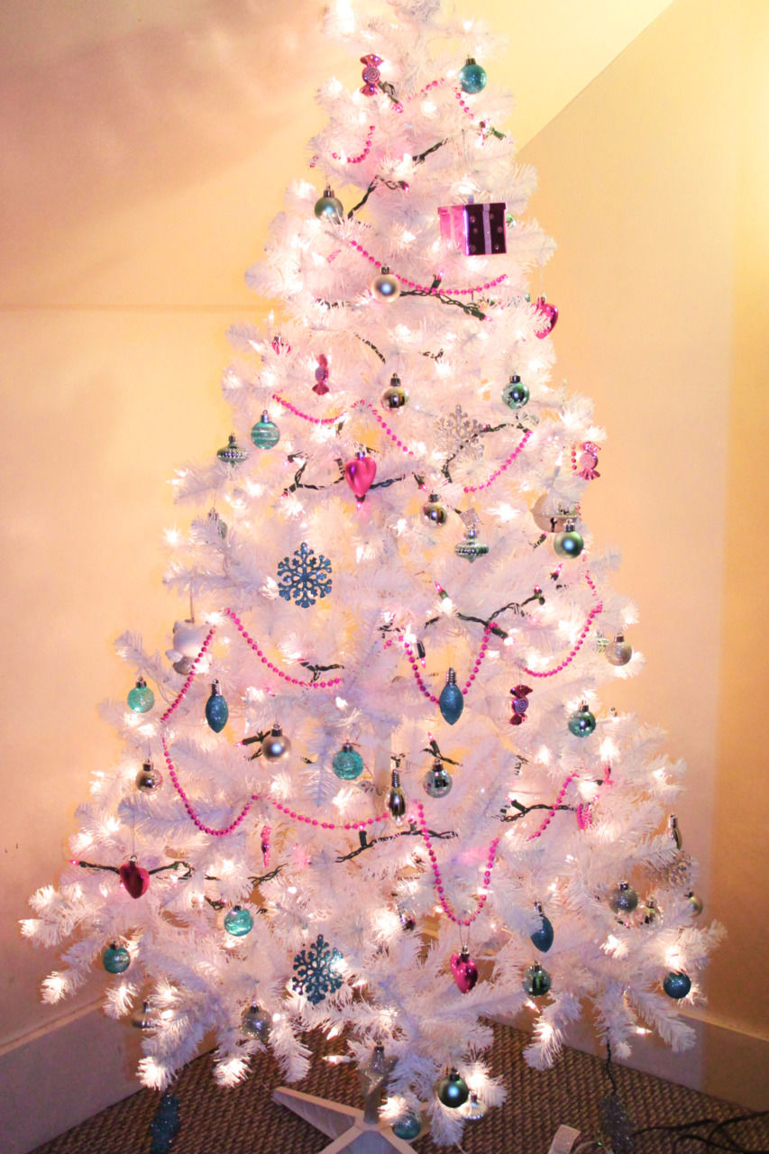 Pretty White Christmas Tree