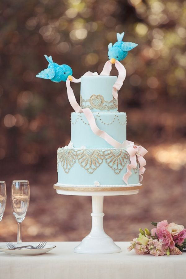 Love Birds Fondant Wedding Cake Pictures, Photos, and ...