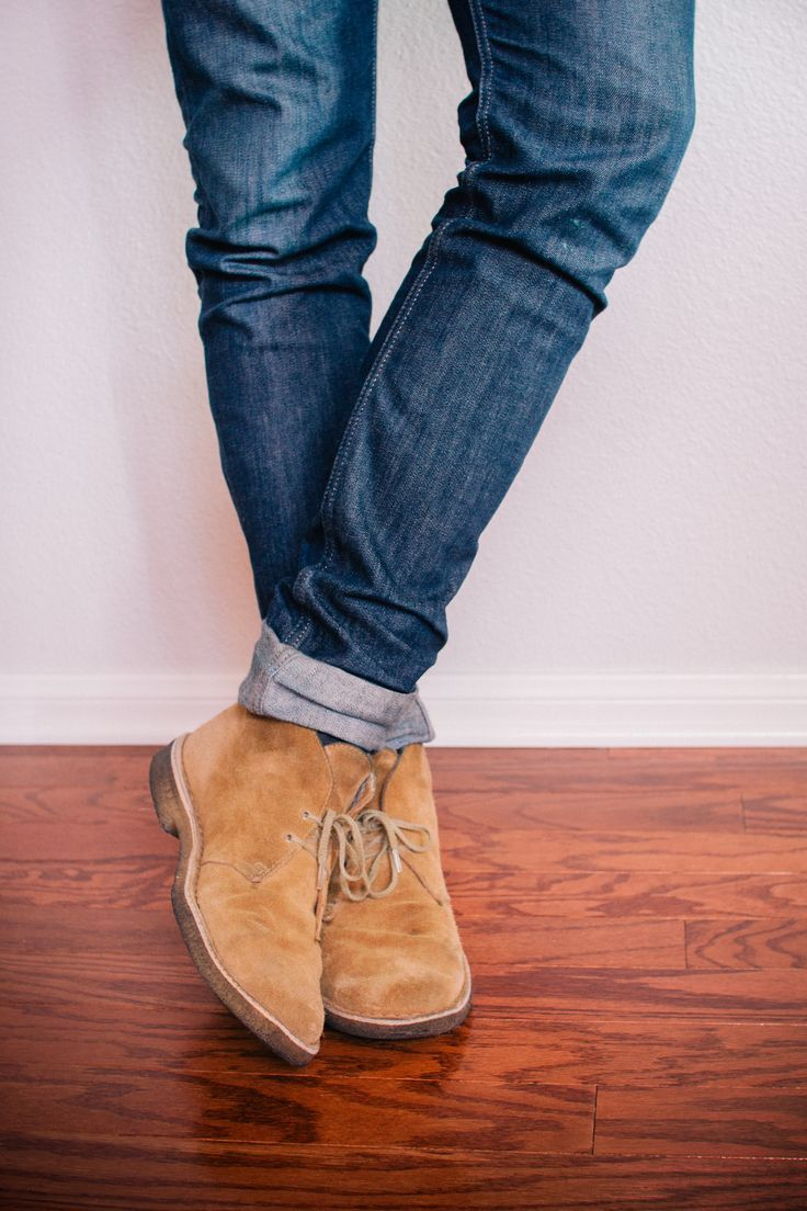 Cuffed Denim Jeans With Suade Desert Boots Pictures