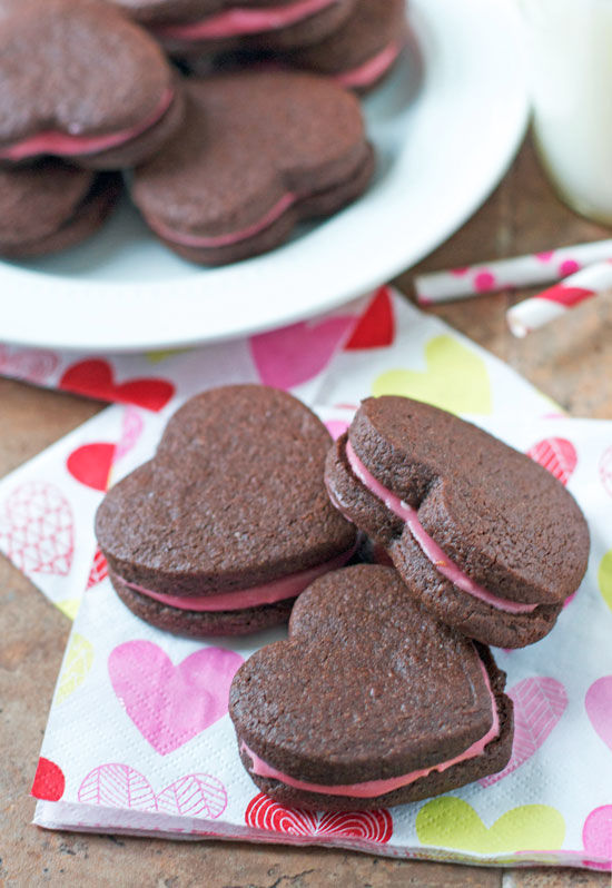 Chocolate Sandwich Cookies With Raspberry Cream Cheese Frosting ...