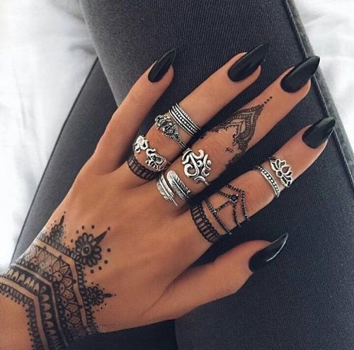 Black stiletto nails henna pictures photos and images for black stiletto nails henna solutioingenieria Gallery