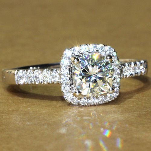 FOREVER BRILLIANT Princess Cushion Cut Halo Engagement