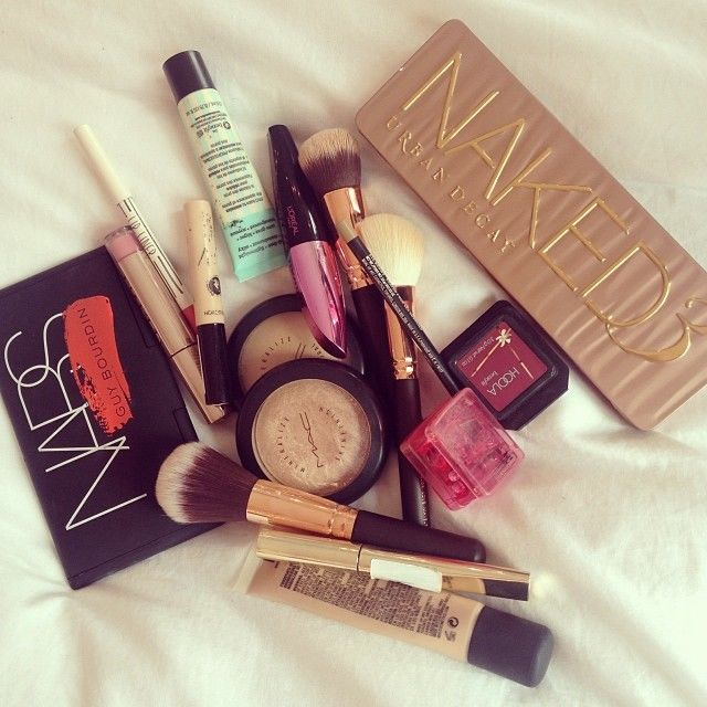 BEAUTEZINE  Makeup Product Photography Tumblr